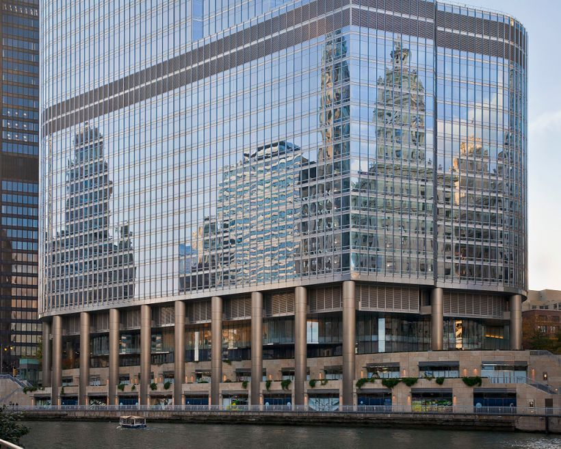 1024px-trump_international_hotel_and_tower_chicago_illinois_estados_unidos_2012-10-20_dd_05